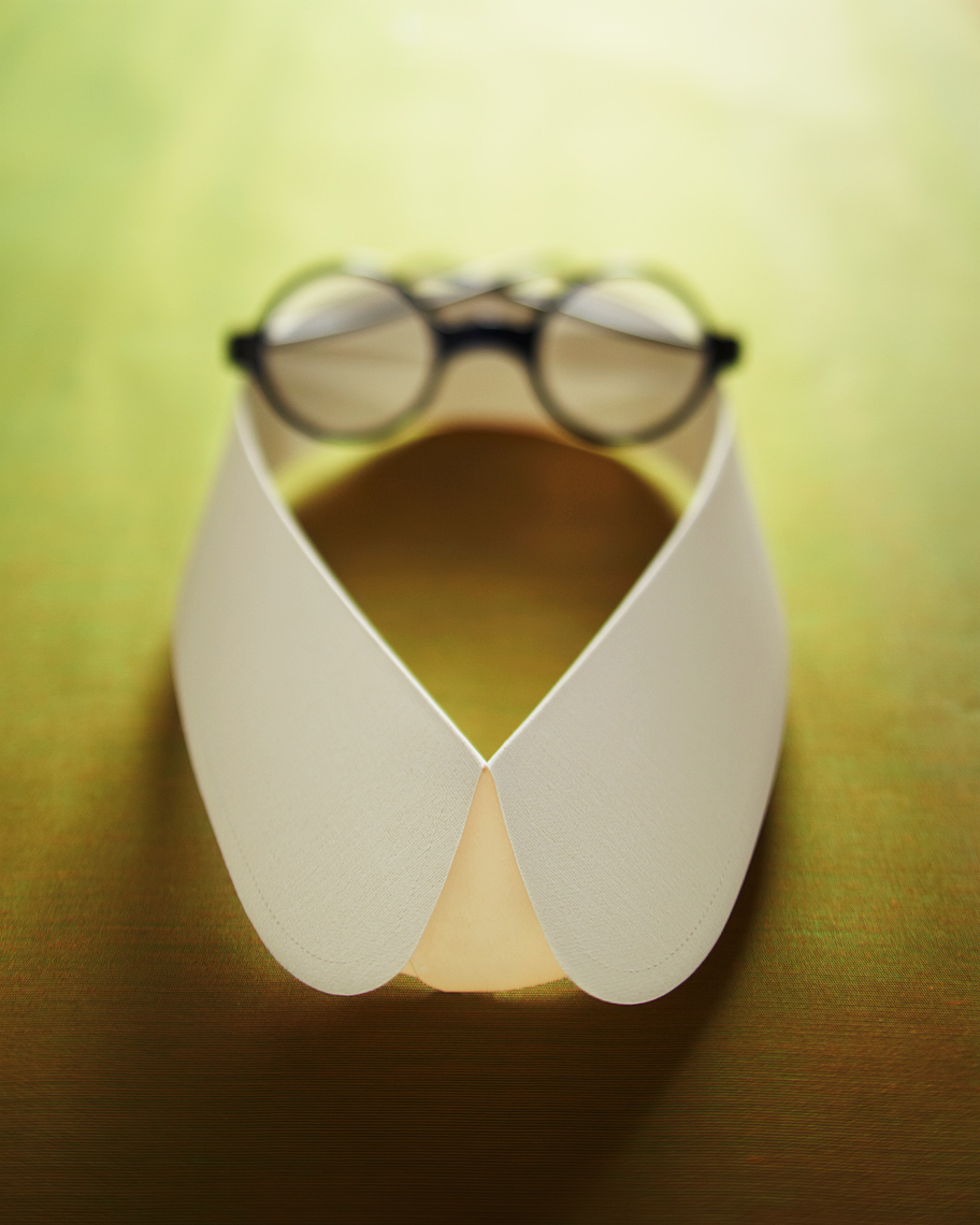 Eye-Glasses-and-Collar